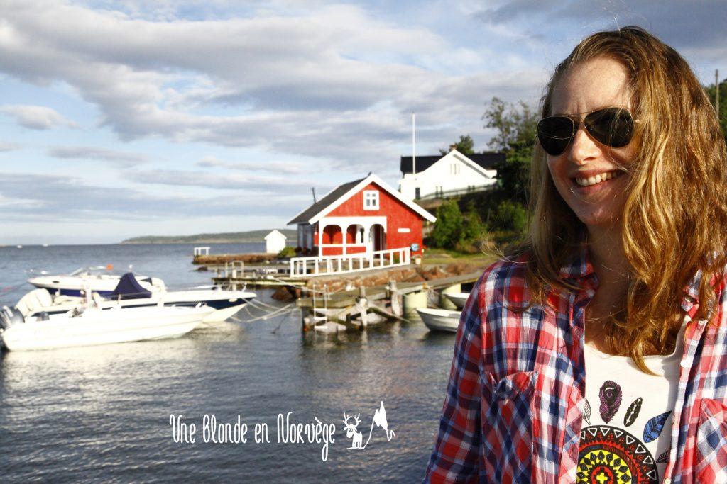 Description - Une blonde en Norvège